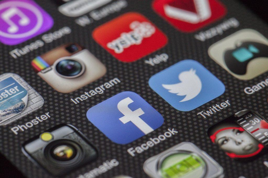 social media for luxury travel